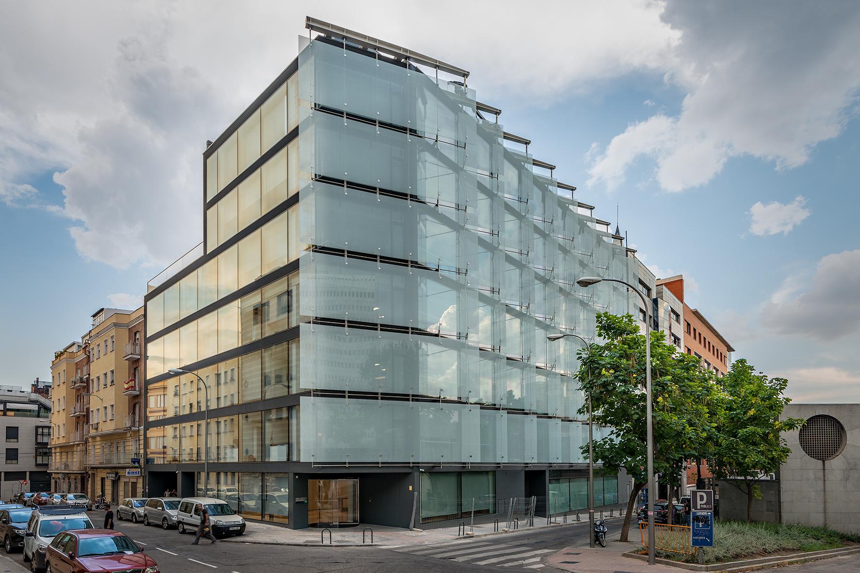 Arquitectura y vidrio se dan la mano en la nueva sede de Uría Menéndez diseñada por Rafael de la Hoz